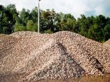 Kruszywo betonowe o frakcji 32-56 mm.